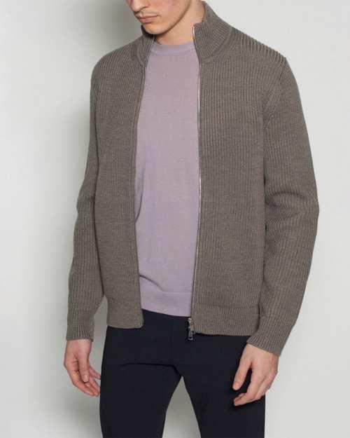 Full-Zip Sweater in Hydrophobic Merino Wool